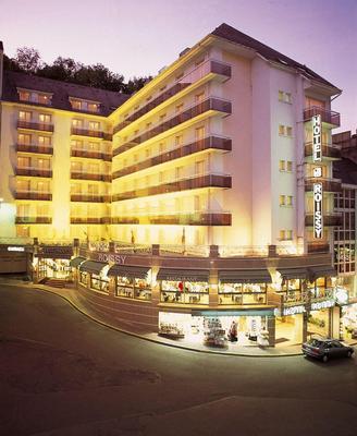 Hotel Roissy Lourdes - Lourdes - Building