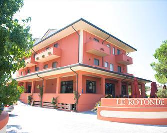 Le Rotonde - Massarosa - Gebäude