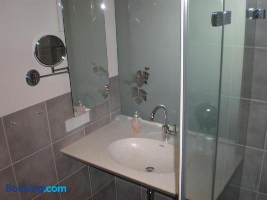 Weingut Gästehaus Weigand - Markt Einersheim - Bathroom