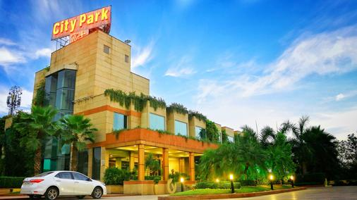 Hotel City Park Airport - New Delhi - Rakennus