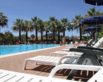 Villaggio Turistico La Mantinera Hotel - Praia a Mare - Zwembad