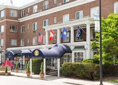 Capitol Plaza Hotel Montpelier Tapestry Collection by Hilton - Montpelier - Edificio