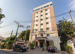 Chaipat Hotel - Khon Kaen - Bâtiment