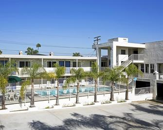 Motel 6 Newport Beach - Costa Mesa - Edificio