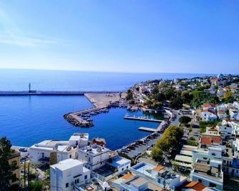 Kastro Hotel - Agios Kirykos - Buiten zicht