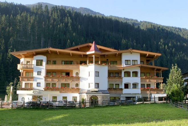Hotel Tuxertal - Tux-Vorderlanersbach - Building