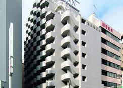 Toyoko Inn Tsudanuma-eki Kita-guchi - Funabashi - Building