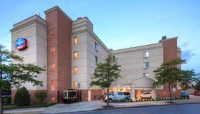 Fairfield Inn by Marriott New York LaGuardia Airport/Flushing - Куинс - Здание