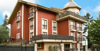 Ayre Hotel Alfonso II - Oviedo - Building
