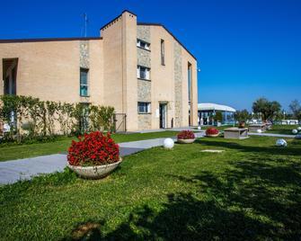 Gelso Bianco Country Resort - Savignano sul Panaro - Building