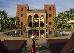 Kasbah Atfel - Bou Azza - Building