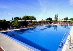 Don Carlos Resort & Spa - Marbella - Pool