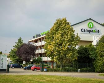 Campanile Hotel Eindhoven - Eindhoven - Building
