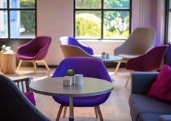 Campanile Hotel Eindhoven - Eindhoven - Lounge