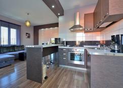 Design Apartments Dijan - Sukošan - Κουζίνα