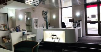 Hôtel du Commerce - Les Sables-d'Olonne - Front desk