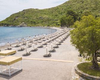 Club Marma Hotel - Akyarlar - Strand