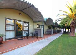 Kalahari Arms Hotel - Ghanzi - Byggnad
