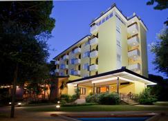 Hotel Venezia - Pietrasanta - Edifício