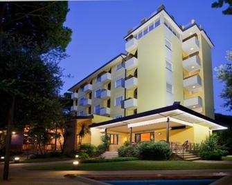 Hotel Venezia - Pietrasanta - Gebouw