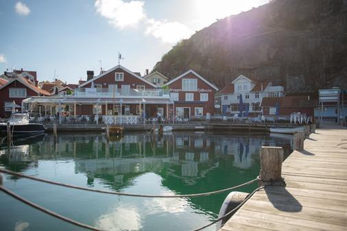 Stora Hotellet Bryggan - Fjällbacka - Building