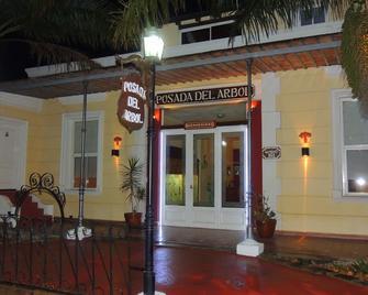 Posada Del Arbol - Capilla del Monte - Building