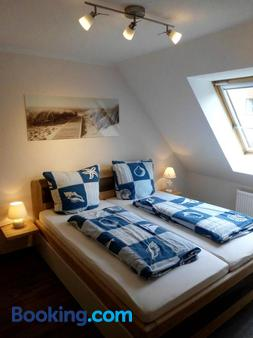 Pension Ostseeurlaub - Rostock - Bedroom