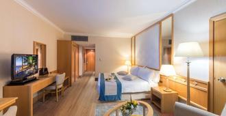 Constantinou Bros Asimina Suites Hotel - פאפוס