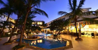 Baobab Holiday Resort - Mombasa - Pool