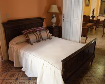 Hostal Los Richards - Sancti Spíritus - Bedroom
