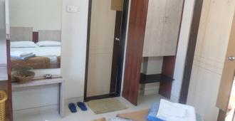Hotel Rajmahal - นาสิก