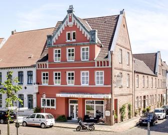 Mooi Hotel Garni - Friedrichstadt - Building