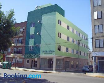 Hotel Micro - Росаріо - Building