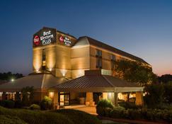 Best Western Plus Goldsboro - Goldsboro - Building