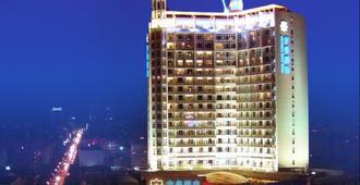 Nan Chong Universal House Hotel - Nanchong