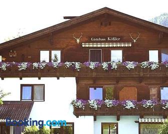 Gästehaus Kössler - Tulfes - Building
