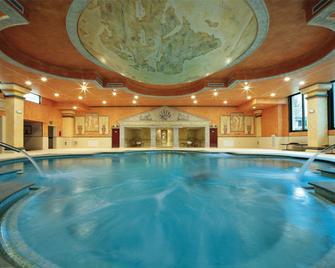 Villa Quaranta Tommasi Wine Hotel & Spa - Pescantina - Zwembad
