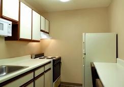 Extended Stay America - Newport News - I-64 - Jefferson Avenue - Newport News - Kitchen