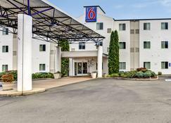 Motel 6 Roseburg - Roseburg - Building