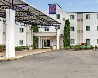 Motel 6 Roseburg - Роузберг - Здание