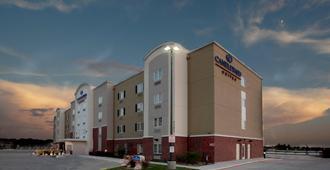 Candlewood Suites San Antonio NW Near Seaworld - San Antonio - Building