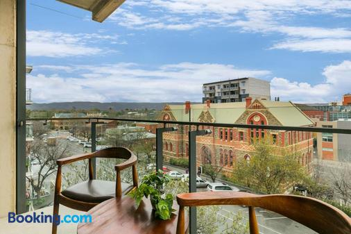 The Soho Hotel Ascend Collection - Adelaide - Balcony