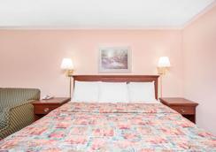 Knights Inn Augusta - Augusta - Bedroom