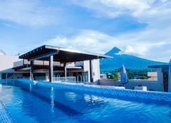 Hotel Fina - Tabaco - Pool