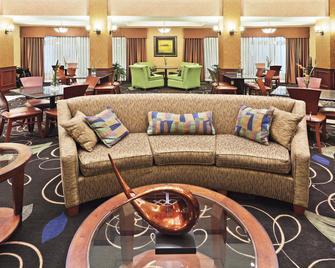 Holiday Inn Express & Suites Poteau - Poteau - Salónek