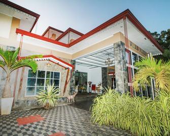 Capital O 229 Jkab Park Hotel - Trincomalee - Building