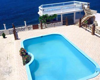 Maxanika - Jacmel - Pool