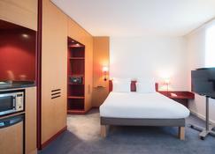 Novotel Suites Reims Centre - Reims - Habitación