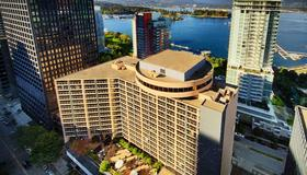 Pinnacle Hotel Harbourfront - Vancouver - Bygning