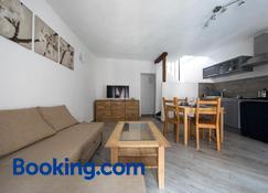 Appartamenti Relax - Nus - Wohnzimmer